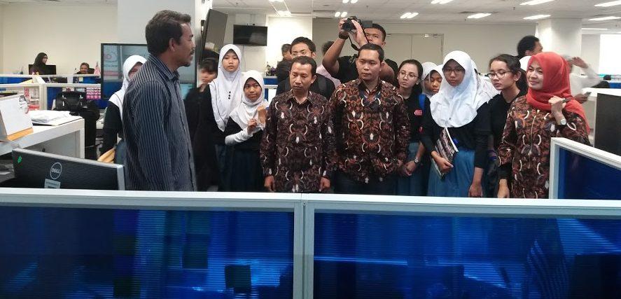 Tim Rdaksi Cantrik Gali Pengalaman Jurnalistik ke Kantor Media Utusan Malaysia