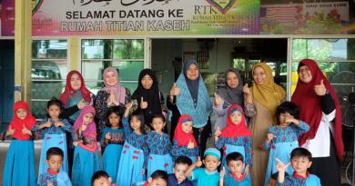 TK SIKL Mengunjungi Panti Asuhan Yatim Piatu dan Rumah Jompo